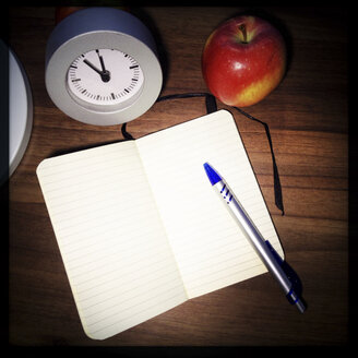 Approaching deadline, empty notebook. Studio, Berlin, Germany - ZMF000066