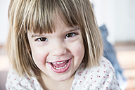 Portrait of smiling little girl - LVF000439