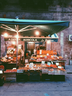Vegetable store on the streets of Palermo, Sicily, Italy - MEA000024