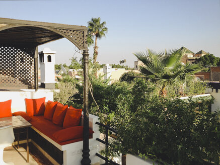 Roof terrace of a Riad (Moroccan palace) in Marrakech, Morocco - SE000410
