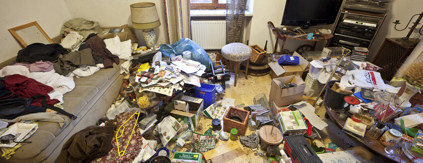 Austria, bedroom of a person with hoarding disorder - DIS000328