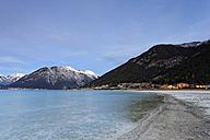 Austria, Tyrol, Achensee near Buchau, view to Pertisau - GFF000395
