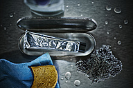 Cleaning paste, steel wool, stainless steel cleaner and sponges - DIKF000074