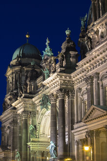 Germany, Berlin, Berlin Cathedral, facade at night - CMF000030