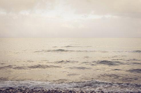 Germany, Mecklenburg-Western Pomerania, Ruegen, Baltic Sea in winter - MJF000714