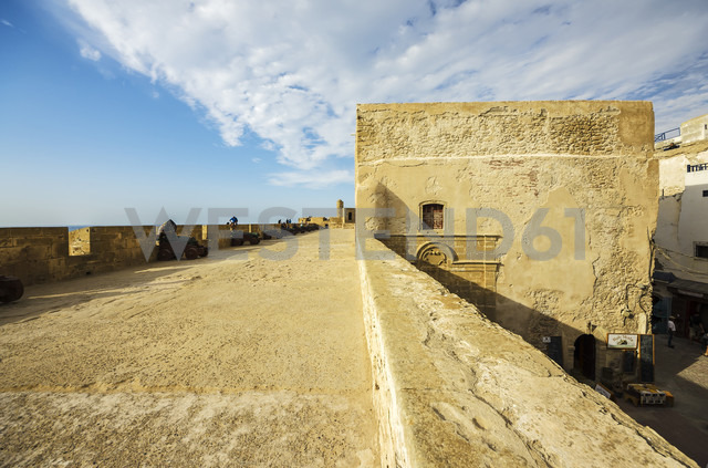 Morocco, Marrakesh-Tensift-El Haouz, Essaouira, view to fortress - THA000003