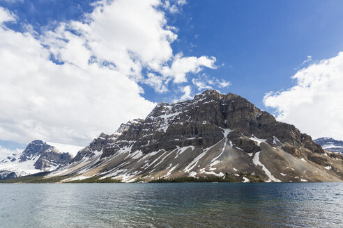 Canada, Alberta, Banff National Park, Jasper National Park, Crowfoot Mountain and Bow Lake - FOF005775