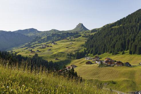 Austria, Vorarlberg, Bregenz Forest, Damuels and Damuelser Mittagsspitze - SIEF004982