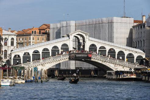Italy, Venice, Canale Grande, Rialto Bridge - FO005799