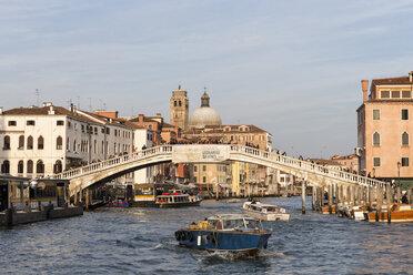 Italy, Venice, Canale Grande, Ponte degli Scalzi - FO005810