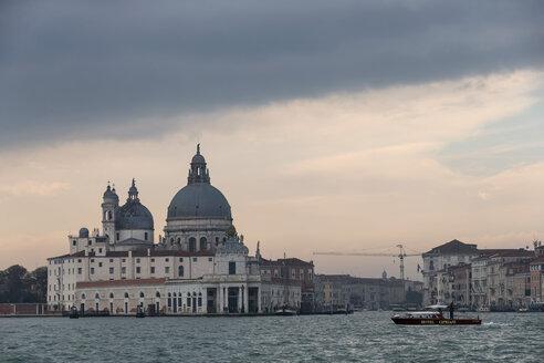 Italy, Venice, Canale Grande, Church Santa Maria della Salute with custom house Dogana di Maream - FO005815