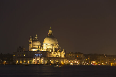 Italy, Venice, Church Santa Maria della Salute at night - FO005646