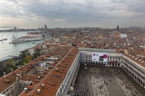 Italy, Venice, View from Campanile to St. Mark's Square and Procuratie - FO005962