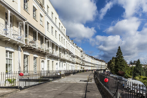 United Kingdom, England, Bristol, Clifton, Royal York Crescent, victorian architecture - DISF000443