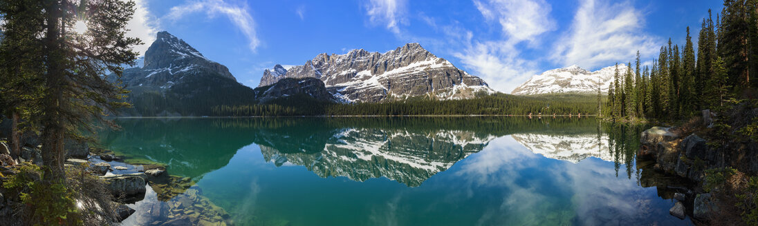 Canada, British Columbia, Yoho Nationalpark, Lake O'Hara and mountains - FOF005852