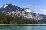 Canada, British Columbia, Yoho Nationalpark, President Range, Emerald Lake - FO005855