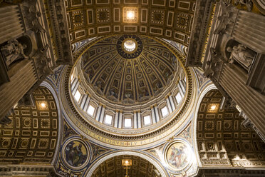 Italy, Rome, view to cupola of St. Peter's Basilica - DIS000407