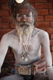 India, Uttar Pradesh, Varanasi, portrait of Sadhu - JBA000063