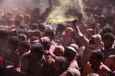 India, Uttar Pradesh, Vrindavan, people during Holi, spring festival, festival of colours - JBA000033