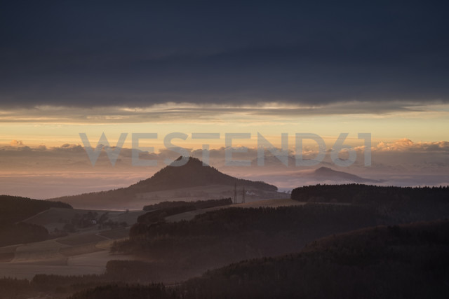 Germany, Baden-Wuerttemberg, Constance district, Hegau, view to volcanos Hohenhewen and Hohenstoffeln at dusk - ELF000823