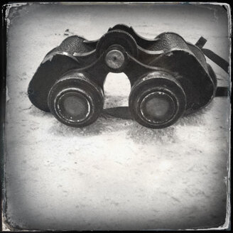 Old fashioned German binoculars with digital wet plate filter effect - JAWF000005