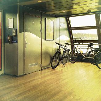 Bicycle parking, river Elbe, Hamburg, Germany - SE000488