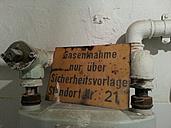 Germany, Rhineland-Palatinate, Trier, old apartment, gas sampling - LAF000520