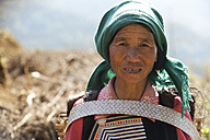 China, Yunnan, Yuanyang, Portrait of Hani woman - JBA000102
