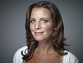 Portrait of smiling woman - RH000284