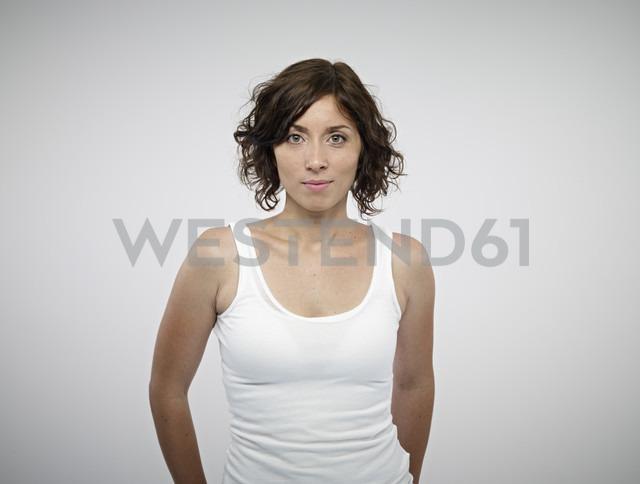 Portrait of smiling woman - RH000287