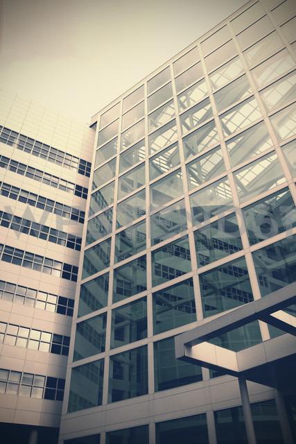 Netherlands, The Hague, facade of office building - HOHF000488 - Fotomaschinist/Westend61