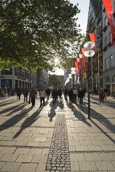 Germany, Bavaria, Munich, View of pedestrian zone, Kaufingerstrasse - LA000570