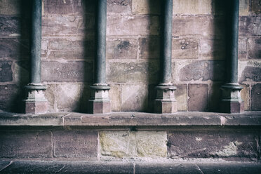 Germany, Baden-Wuerttemberg, Freiburg, Freiburg Minster, detail of brickwork and pillars - ELF000837