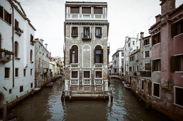 Italy, Venice, Building inside canal - EJWF000289