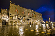 Italy, Venice, St Mark's Square with Doge's Palace at night - EJWF000284