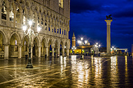 Italy, Venice, St Mark's Square with Doge's Palace at night - EJWF000283