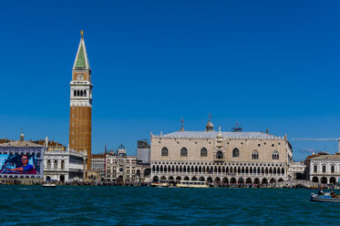 Italy, Venice, St Mark's Square with Doge's Palace and Campanile seen form church San Giorgio Maggiore - EJWF000269