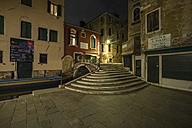 Italy, Venice, Alley at night - EJWF000265