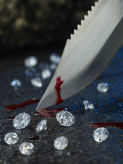 Knife with blood and diamonds - AK000324