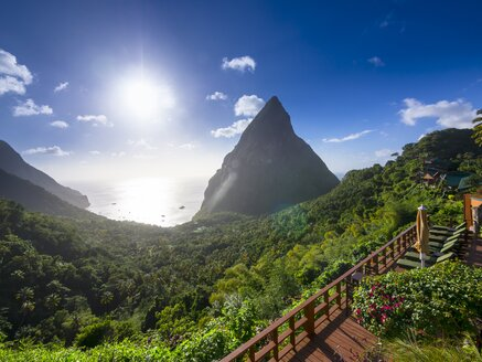 Caribbean, St. Lucia, Volcanos Gros Piton and Petit Piton - AM001880