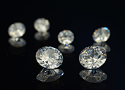 Six diamonds on black background - AKF000284