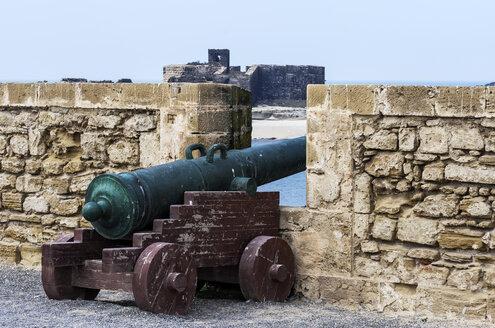 Morocco, Essaouira, Kasbah, cannon at city wall - THAF000102