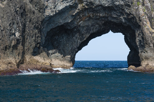 New Zealand, North Island, Northland, Bay of Islands, Hole in the Rock - JB000024