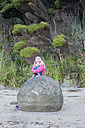 New Zealand, North Island, Northland, Hokianga Harbour, girl on Kouto Boulder - JB000034