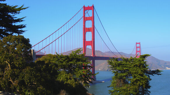 USA, California, San Francisco, Golden Gate Bridge - DJGF000046