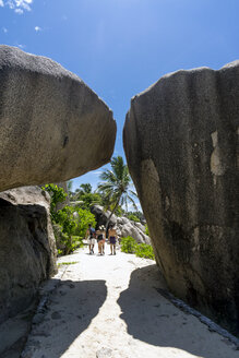 Seychelles, La Digue, Rock formations at Point Source d'Argent - WE000006