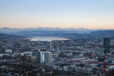 Switzerland, Zurich, view to city with Zurichsee in front of the Swiss Alp - ELF000890
