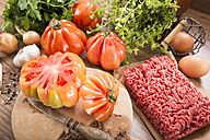 Ingredients for filled beefsteak tomato, Low Carb - CSTF000084