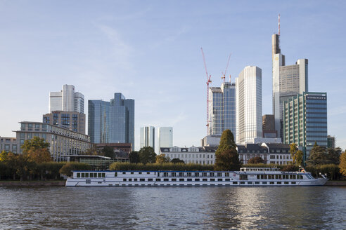 Germany, Hesse, Frankfurt, Financial district with River Main - WI000432