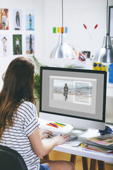 Female fashion blogger working at her office - EBSF000032